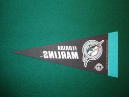 FLORIDA MARLINS MLB LICENSED MINI PENNANT, NEW